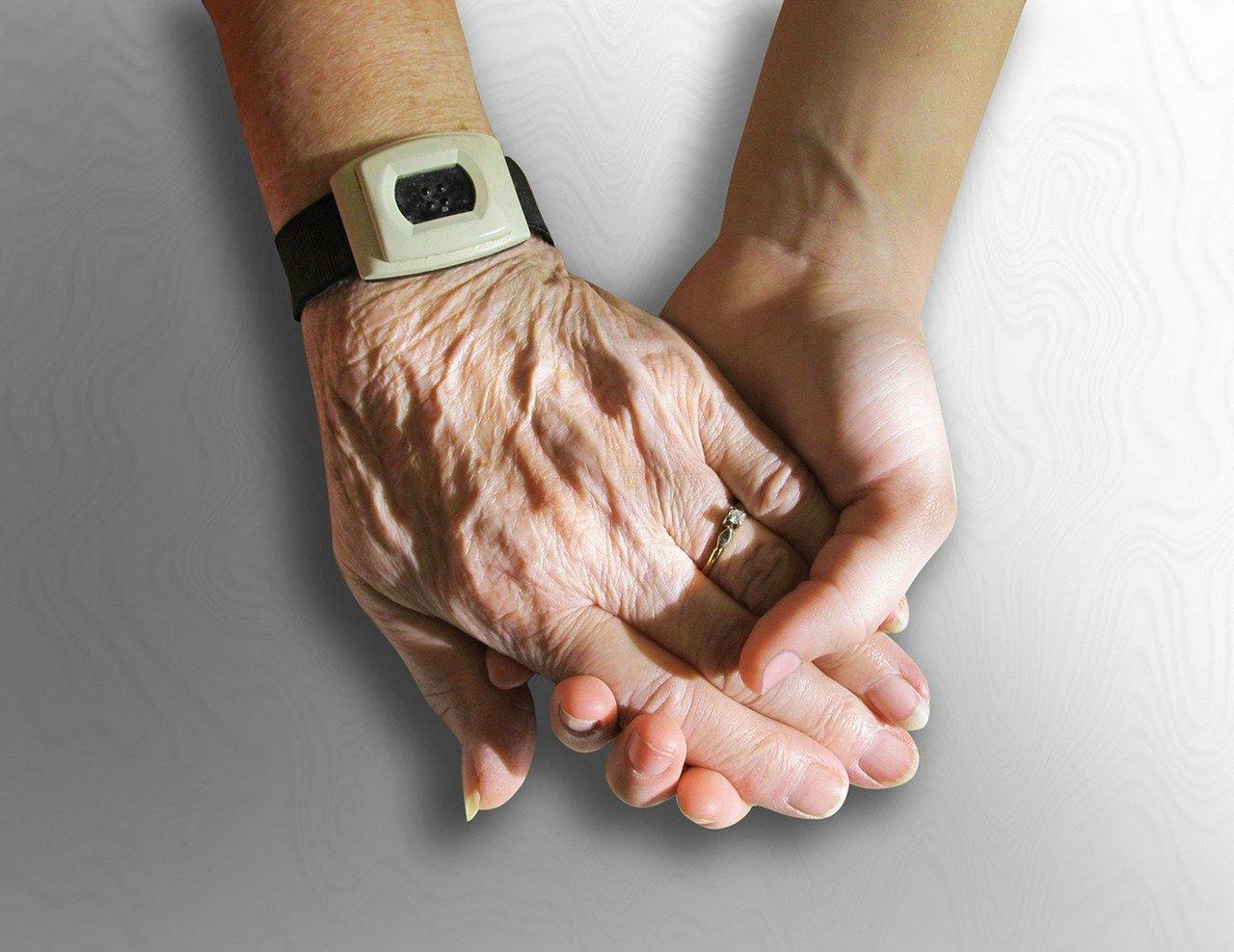 hands-216982_1280